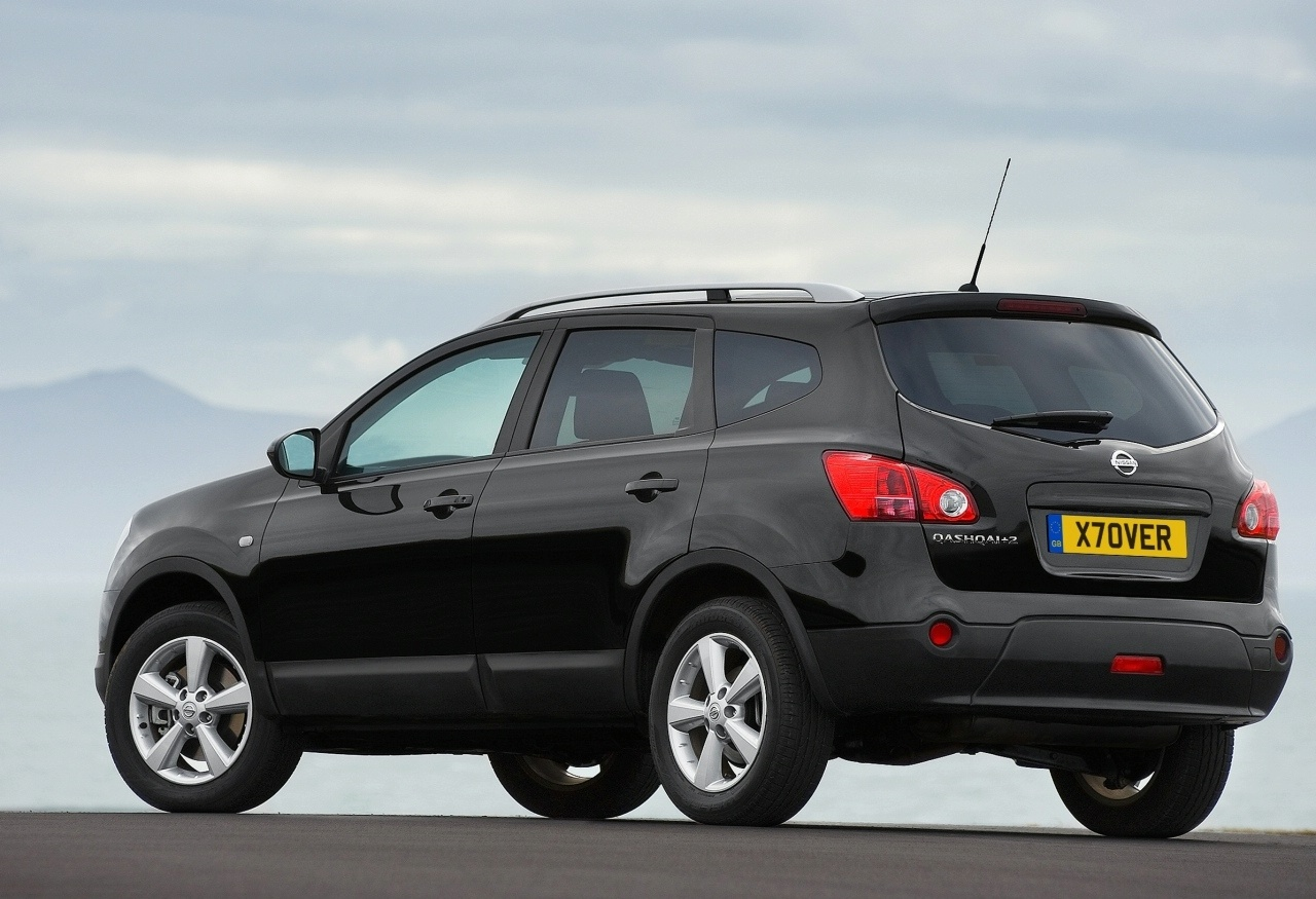 car barn sport nissan qashqai ii 2012. Black Bedroom Furniture Sets. Home Design Ideas