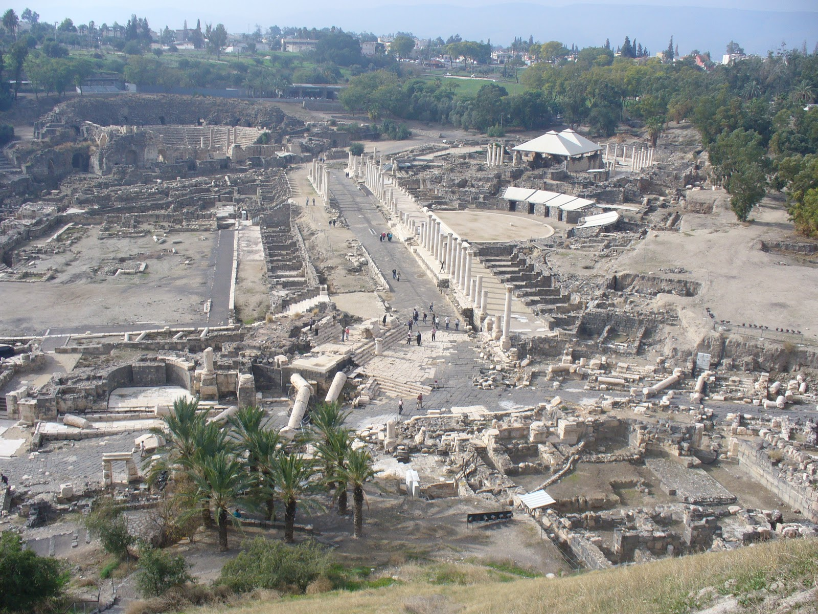 Beit Shean Israel  city photos : View of the city and excavation sites from the hilltop.