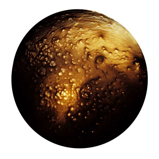 Ernie Button fotografias de restos de uisque evaporado como paisagens planetárias