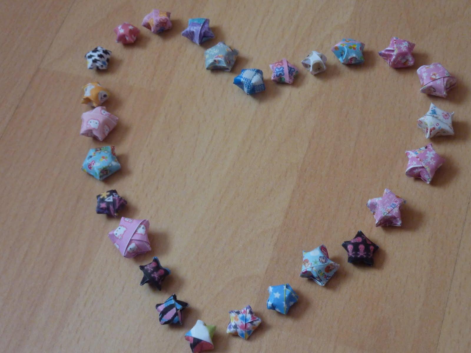 Nailpolishtheluxe diy lucky paper stars for Diy lucky stars
