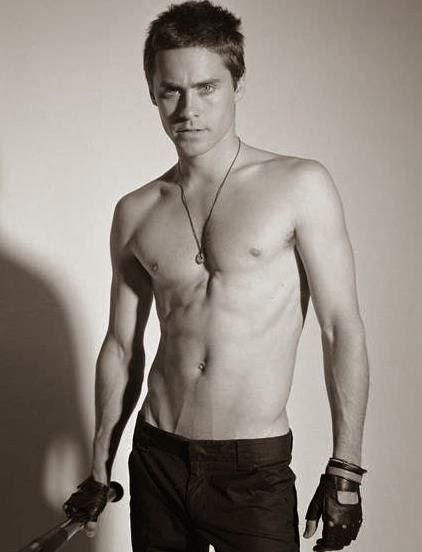 Articles divers trouvés sur Internet - Page 15 Jared-leto-shirtless+2