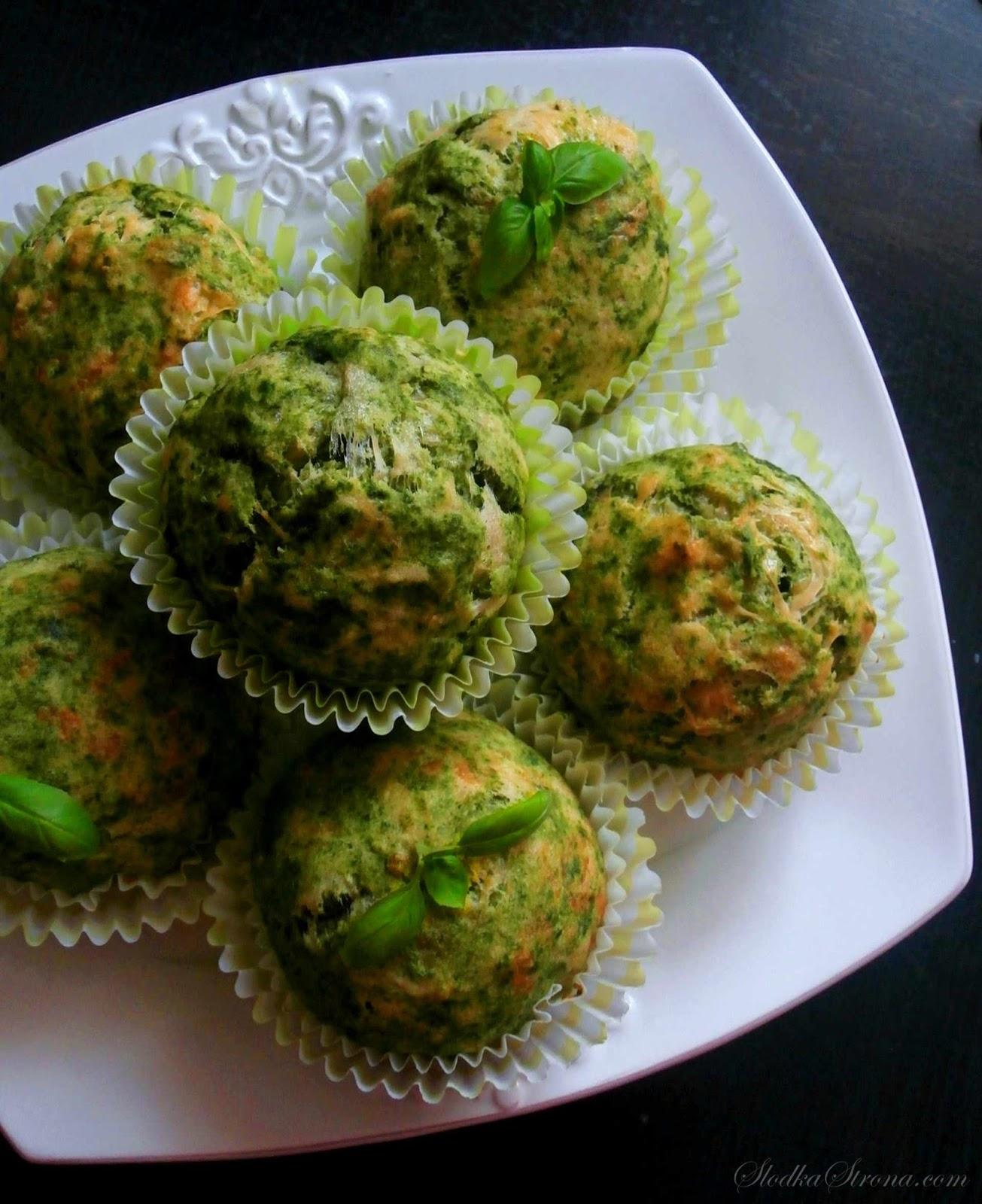 Muffiny ze Szpinakiem, Żółtym Serem i Serkiem Brie - Przepis - Słodka Strona