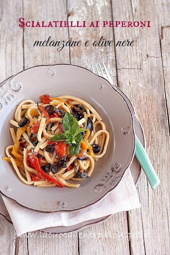 scialatielli ai peperoni, melanzane e olive nere