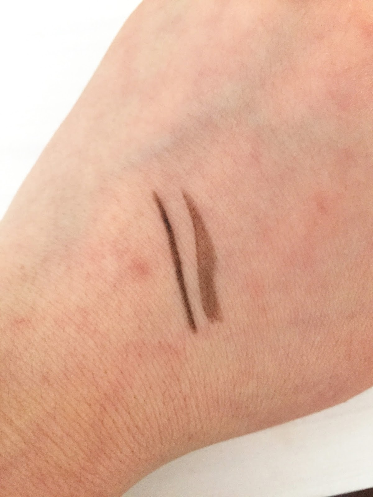 Makeup Revolution Ultra Brow Arch & Shape in Dark