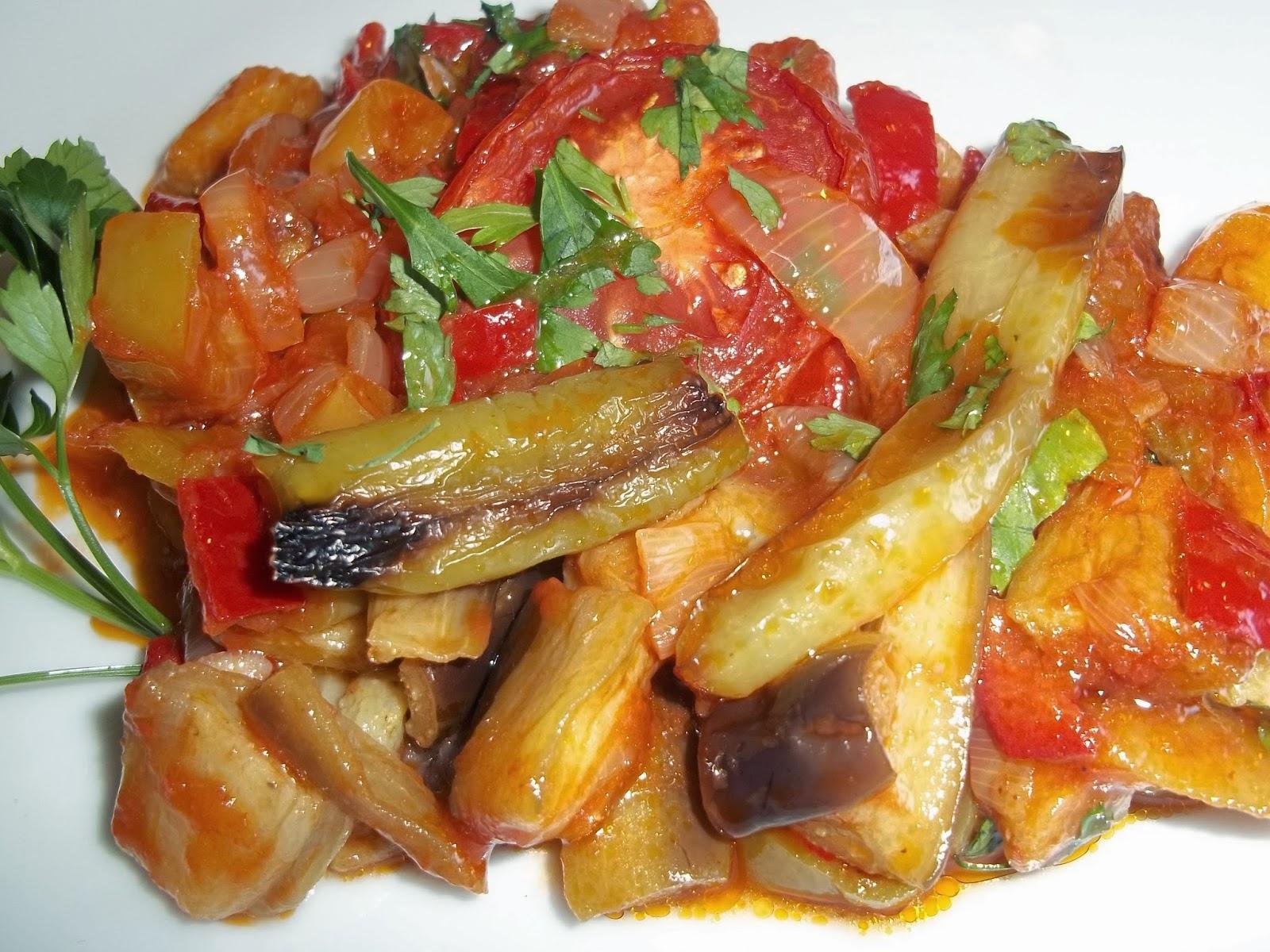 Zeytinyağlı patlıcan yemeği tarifi
