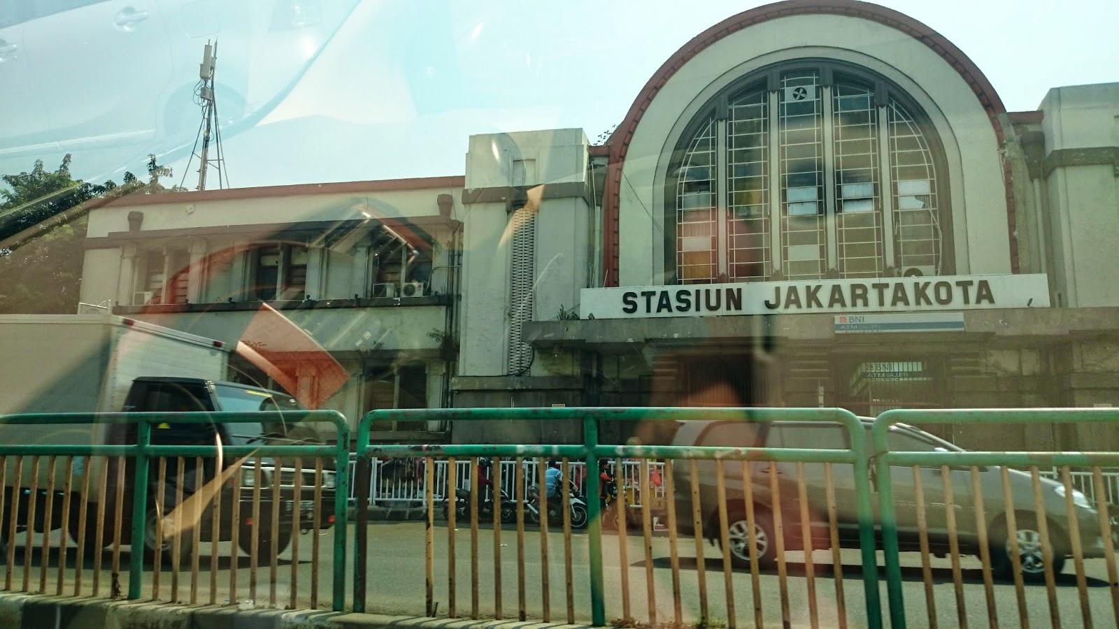 Berikut jadwal dan trayek kereta api di stasiun Jakarta Kota