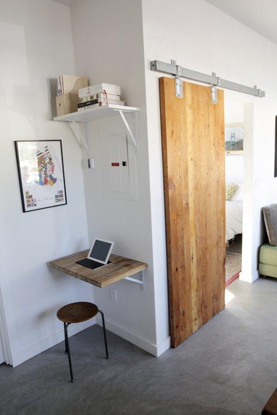 tiny attic storage idea - 15 Idee Intelligenti e Creare Un Angolo Ufficio In Una