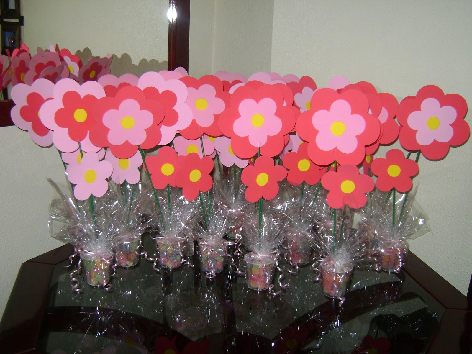 Esses Centros De Mesa De Flores Em E V A  Fiz No Aninho Da Minha