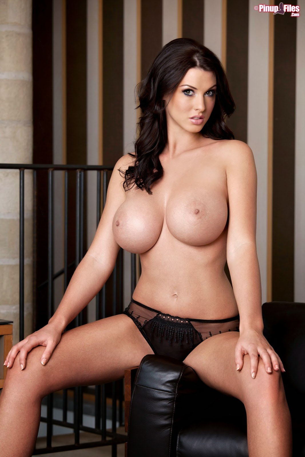Alice goodwin models her sexy body in lingerie 2
