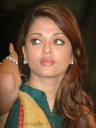 youtube Aishwarya Rai navel video