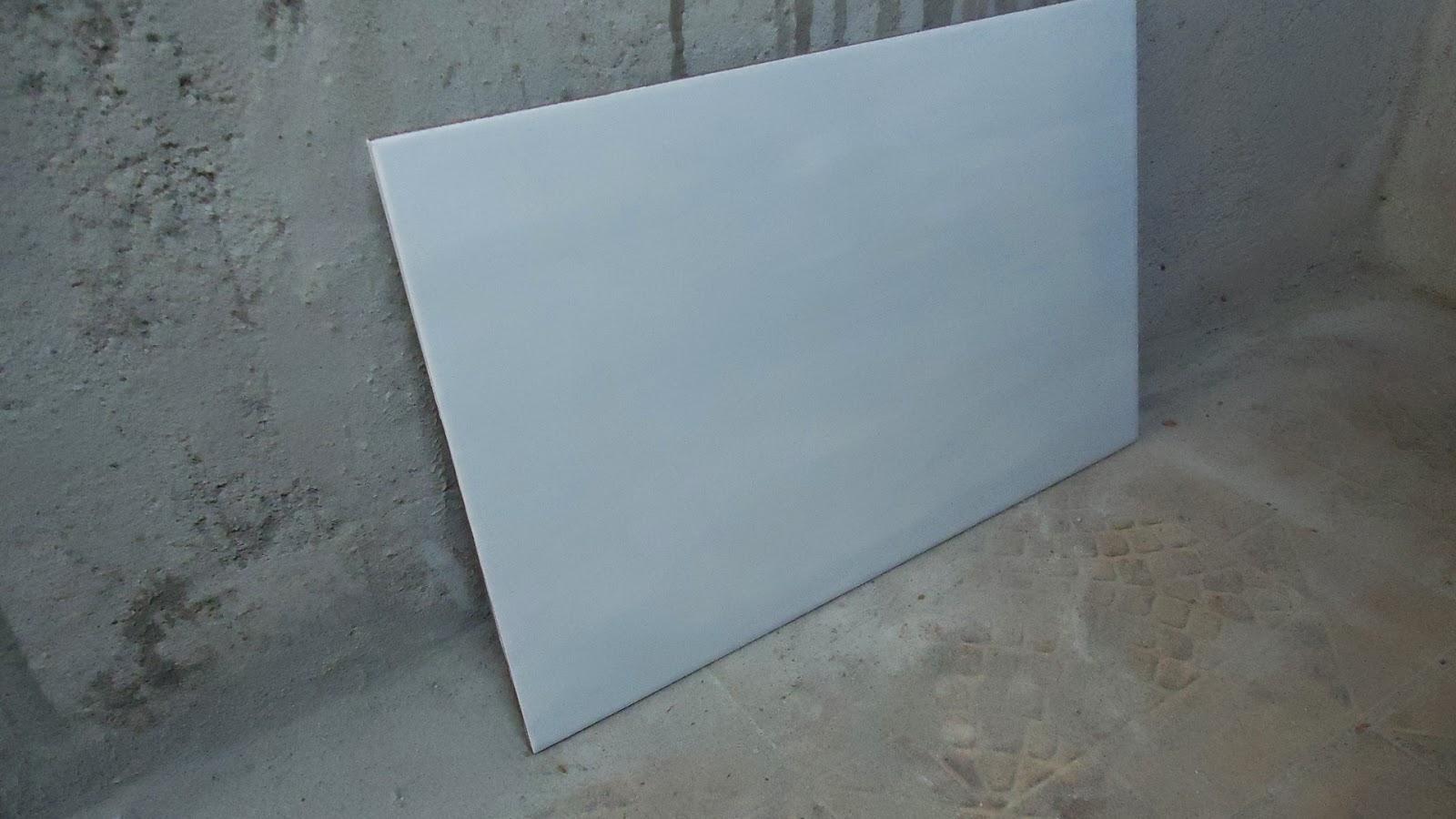 Estou pensando em colocar o revestimento das paredes na horizontal  #526A79 1600x900 Acabamento Piso Banheiro