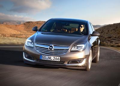 Εξαιρετική συνδεσιμότητα και ψυχαγωγία διατίθενται τώρα για τη ναυαρχίδα της Opel