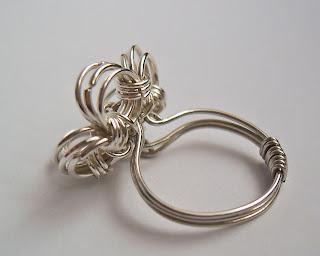 pierścionek kwiatek chainmaille