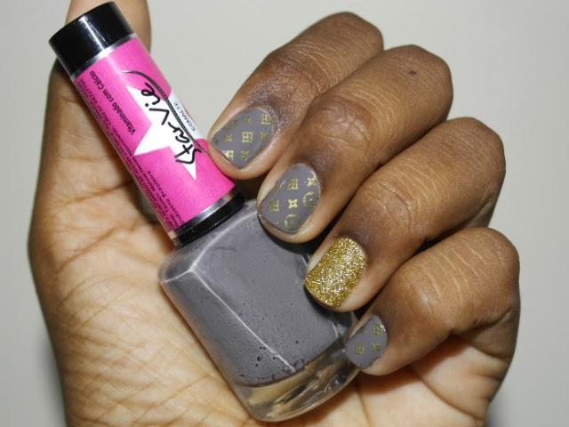 Unhas-da-vez-esmalte-cinza-roxo-starvie-perfectnail-perfect-nail-pelicula-louis-vuitton-glitter-dourado-unha-açucar