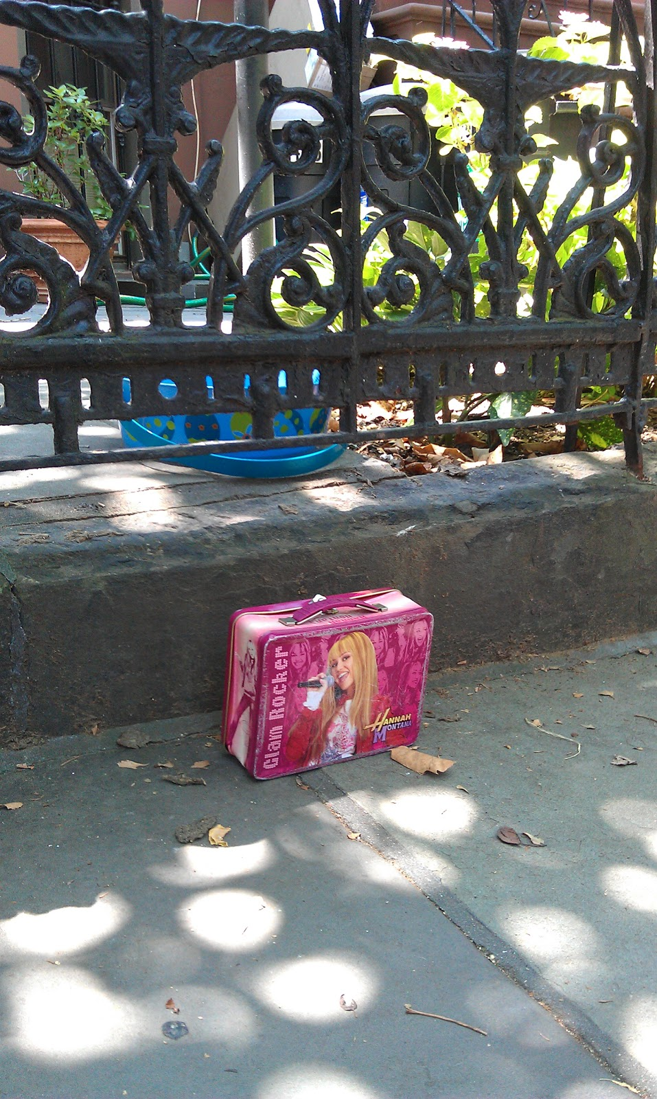Toys For Tweens 2012 : Abandoned toys in brooklyn a sad photo study