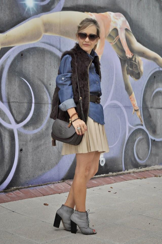Como combinar falda de cuero
