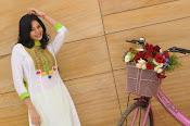 Sanam shetty new glamorous photos-thumbnail-1