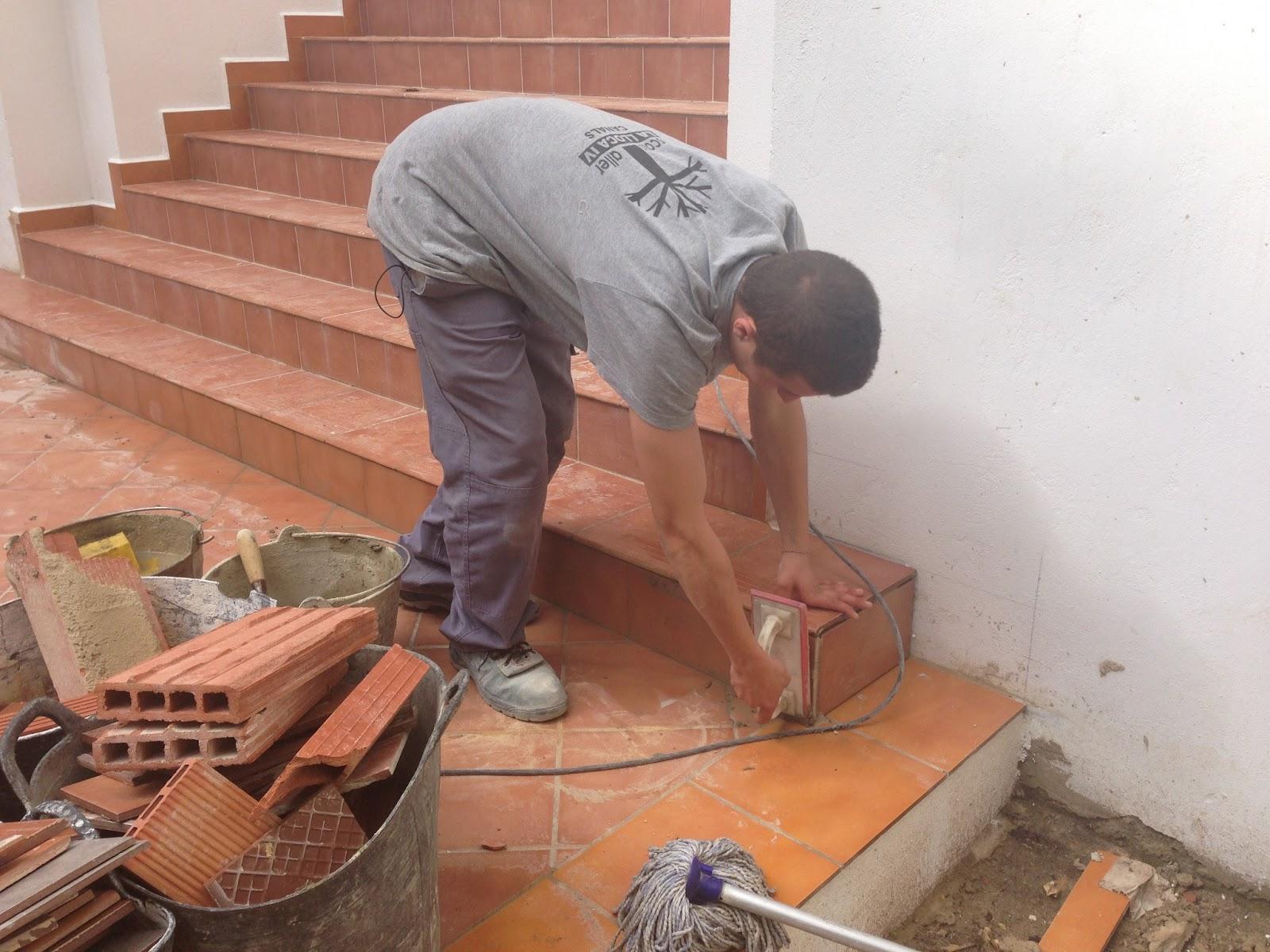 E t la lloca iv escalera terminada escuela taller la - Escaleras de ladrillo ...