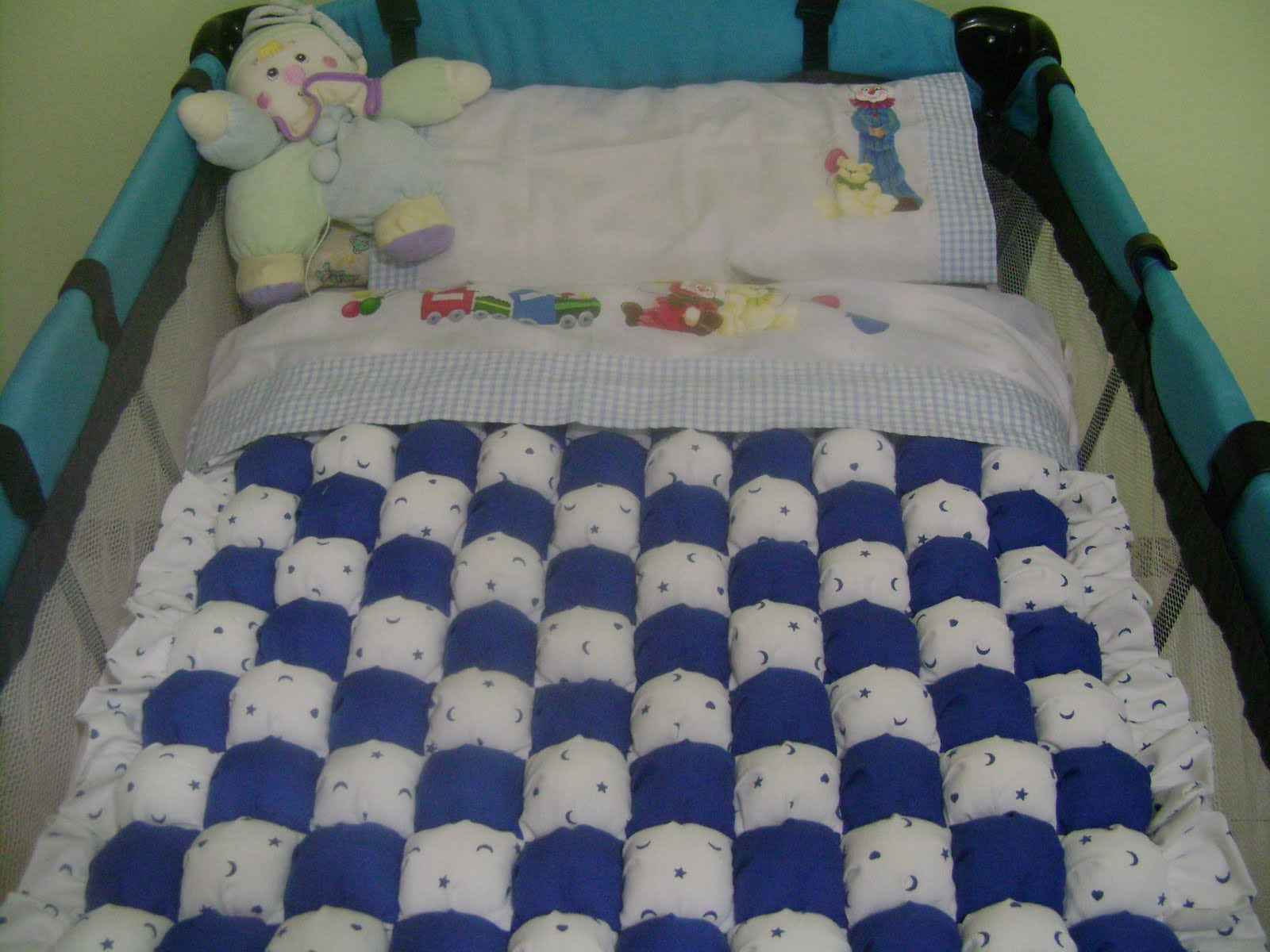 ... de Aralena: Como hacer un acolchado para bebé con ravioles de tela