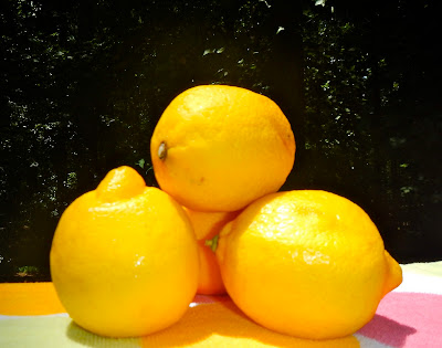 Lemons can ne used as a hair rinse to smooth, detangle, and brighten