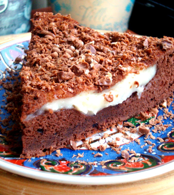kreması içinde kek