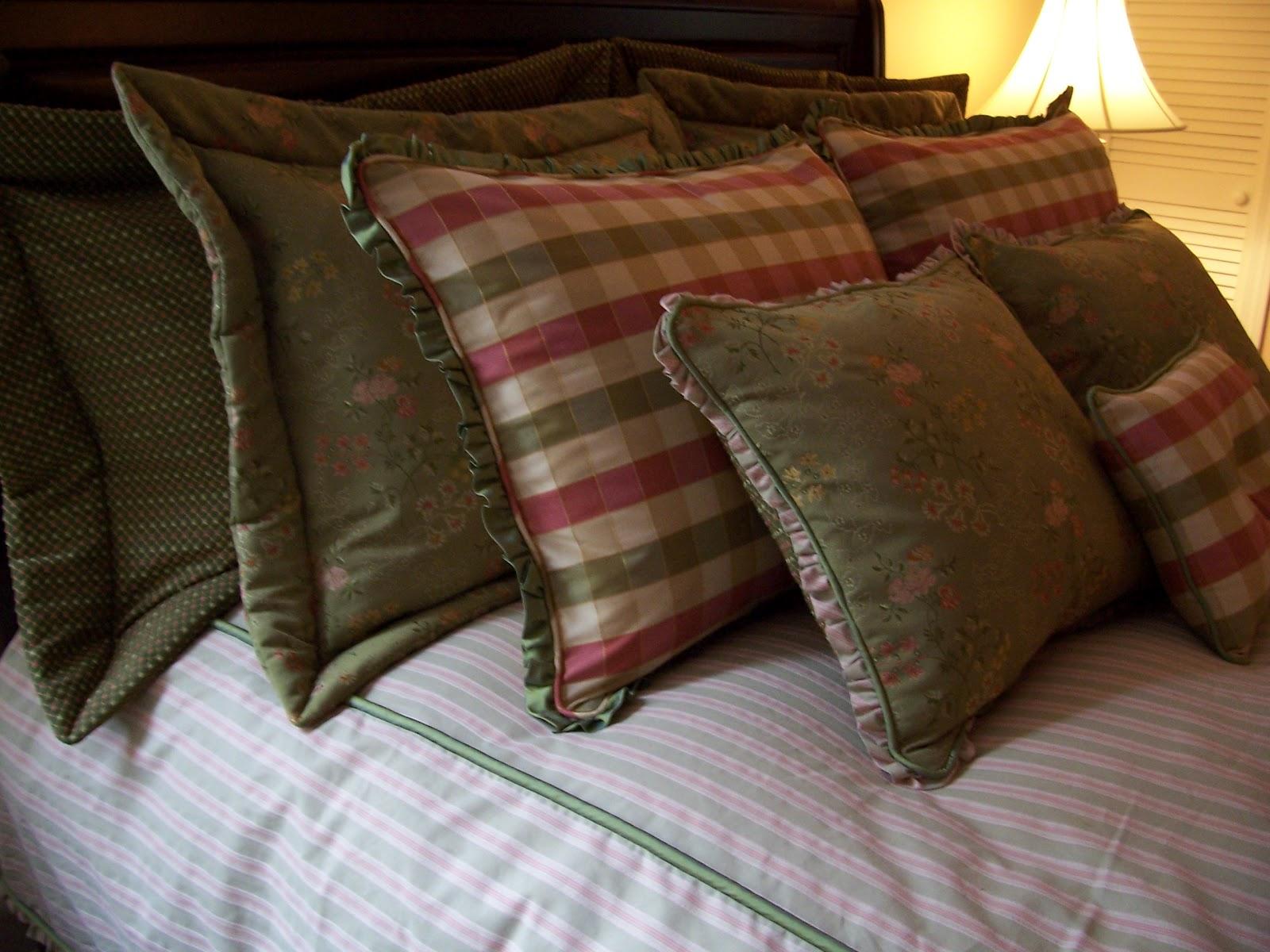 Surroundings::: Pillow talk