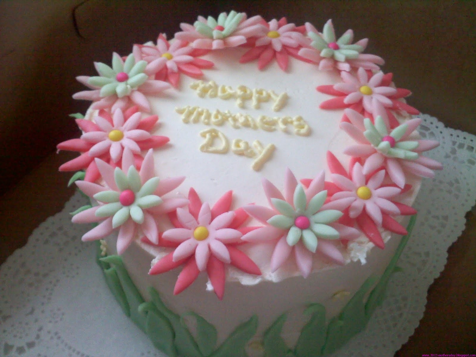 Cake Design For Mothers : Wallpaper Free Download: Mothers day cake Decoration And ...
