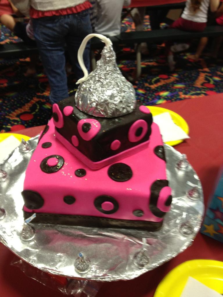Hershey Kiss Bday Cake
