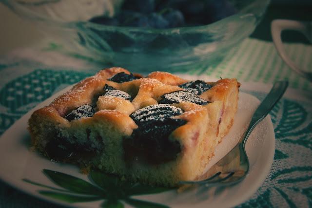 Wegańskie ciasto ze śliwkami