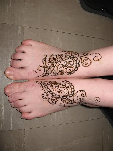 Stylish Simple Feet Mehndi