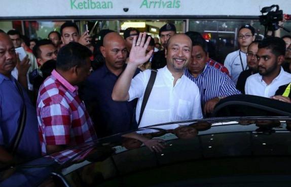 Mukhriz Mahathir Pertahan Diri