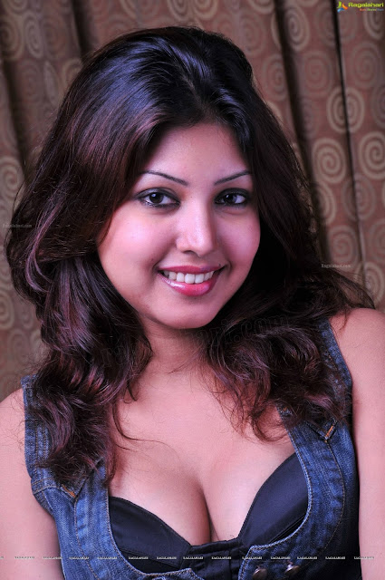 Komal Jha hot photo shoot