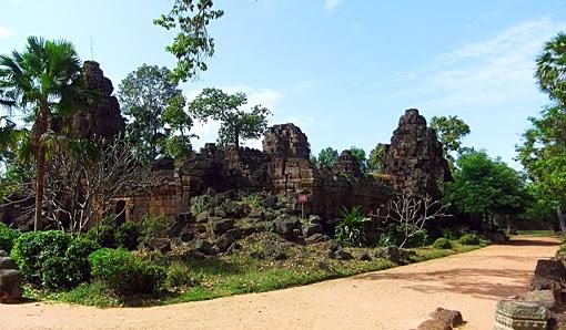 Phnom Chisor Buddha Temple