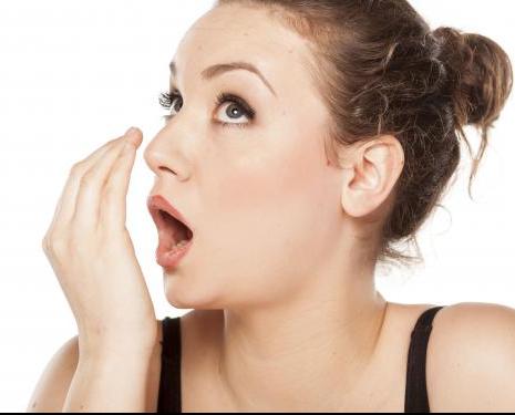 Cara Menghilangkan Bau Mulut Akibat Rokok