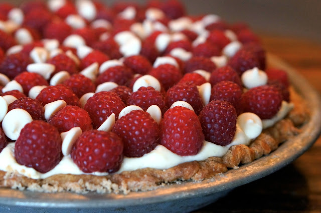Blind Bake Pie Crust, heavy whipping cream vs. whipping cream, Ghirardelli Classic White Baking Chips,White Chocolate Raspberry Pie, Super Bowl 2015.,
