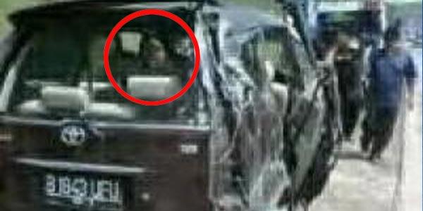 Ada Hantu di Foto Mobil Saipul Jamil