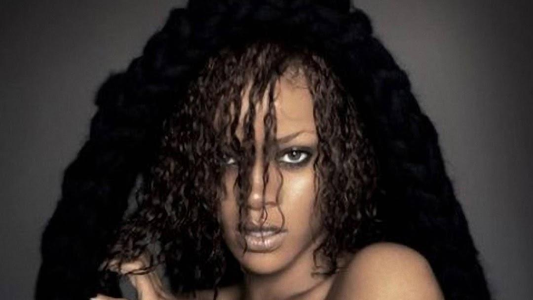 Rihanna HD Wallpaper 9