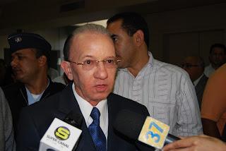 Reformistas expulsan de sus filas a Amable Aristy Castro