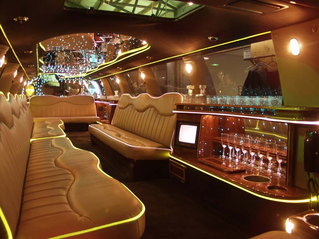limousine car photo and limousine car interior high resolution best size wallpapers free fine. Black Bedroom Furniture Sets. Home Design Ideas