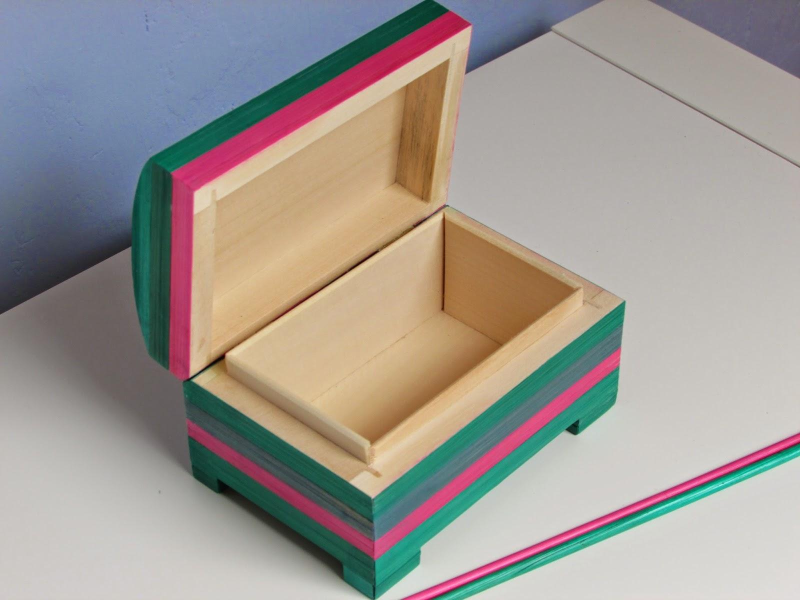 lapaillendeco petit coffre bijoux d cor en marqueterie. Black Bedroom Furniture Sets. Home Design Ideas