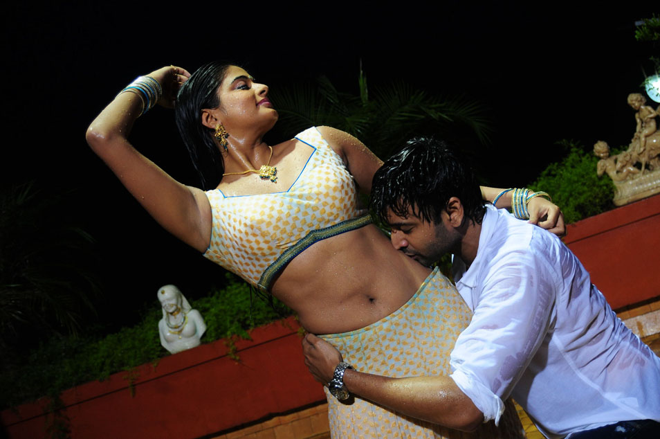 South Spice: Priya Mani Hot
