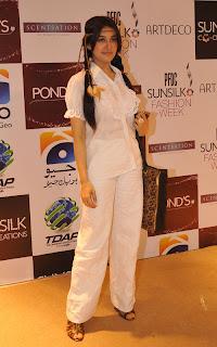 Shahista Wahidi PFDC Sunsilk Fashion Week 2011   Red Carpet DAY 1 & 2