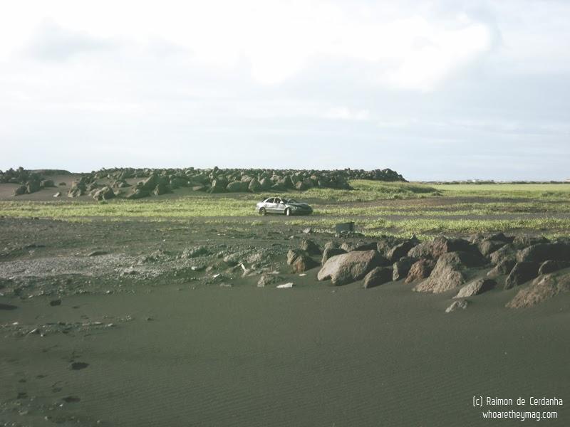 Одинокий исландский автомобиль