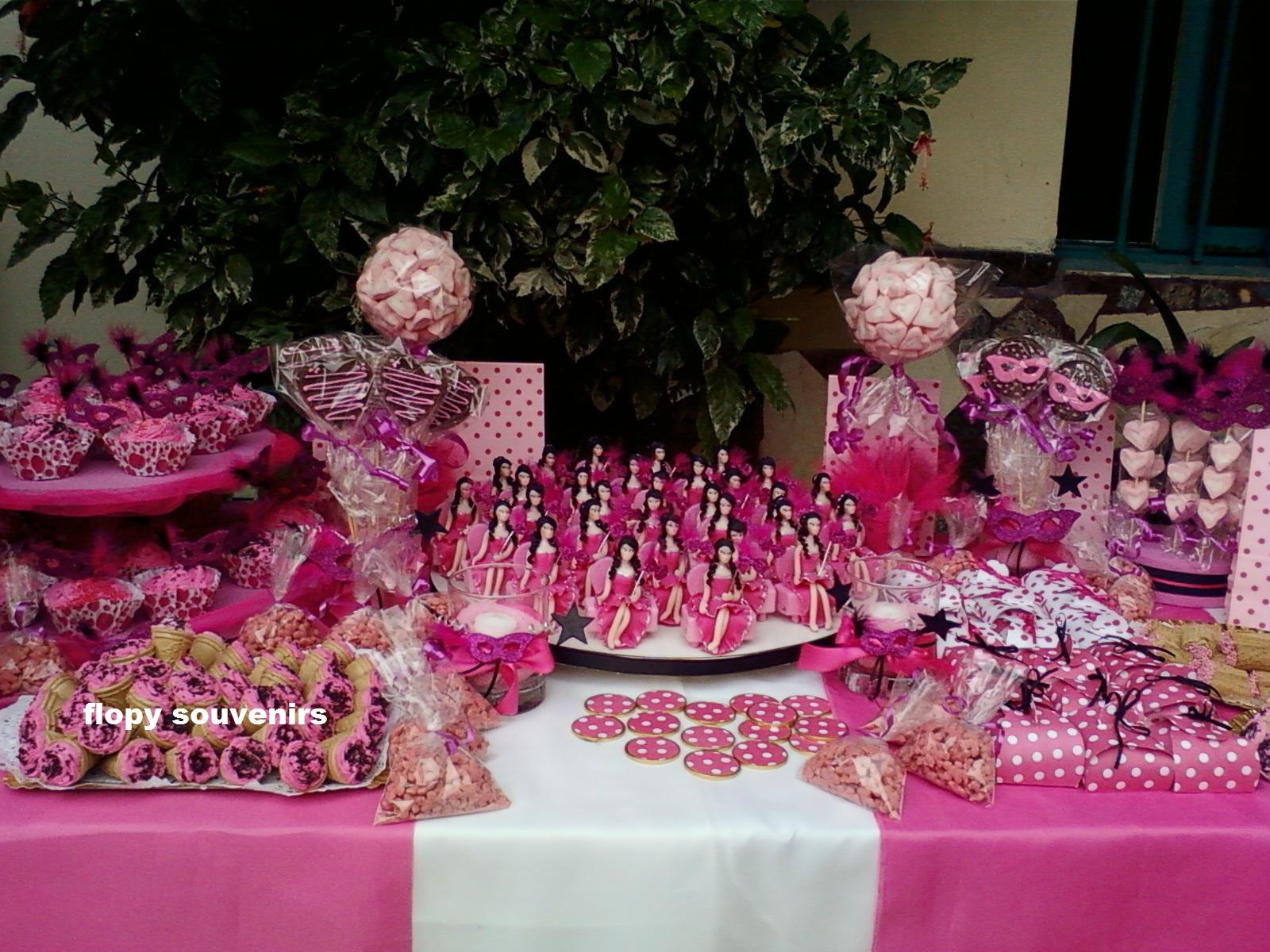 Flopy souvenirs candy bar for Mesa de dulces para xv anos