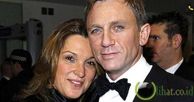 Daniel Craig - Rp 341,400,000