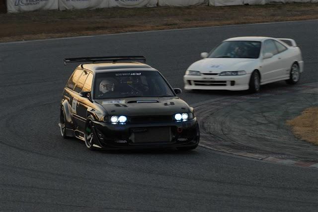 Subaru Legacy Touring Wagon & Honda Integra Type R (DC2), sportowe kombi, japońskie samochody, VTEC is kicking in yo, JDM, tuning, wyścigi