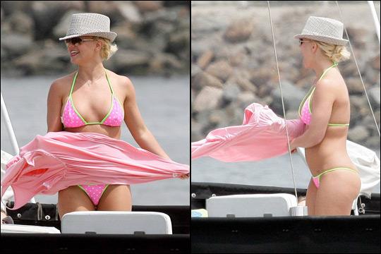 Gambar britney spears pakai bikini