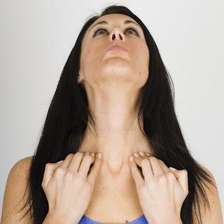 cara memutihkan kulit leher dengan cepat