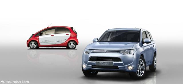 Mitsubishi Outlander PHEV (im Hintergrund: Mitsubishi i-MiEV)