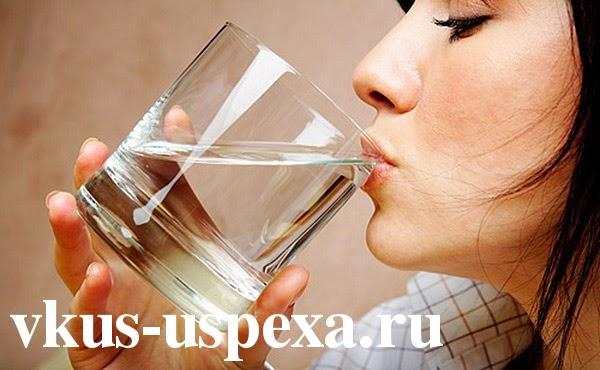 Пить больше воды, сколько нужно пить воды в день, пить много воды, пить воды 2 литра